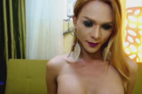 Skinny Filipina tgirl Plays taut hole